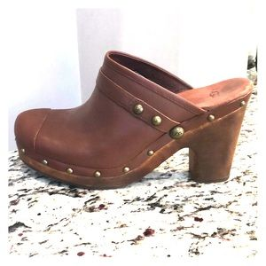 Ugg Brown Clogs size 10